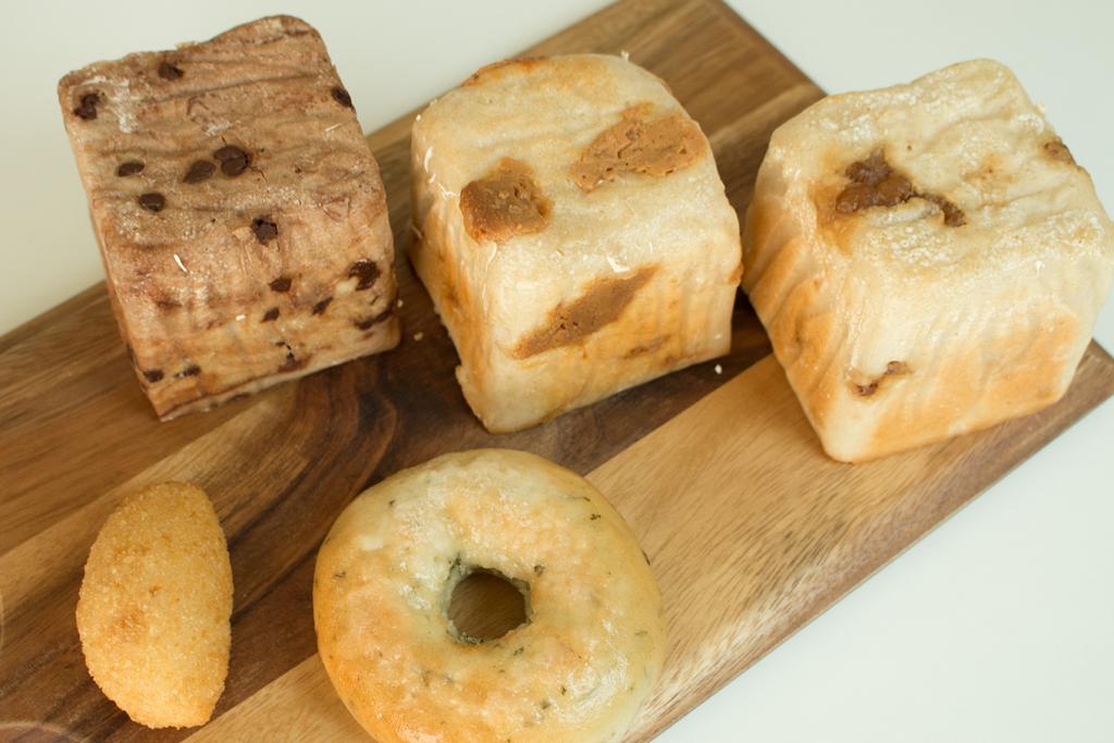 驚異のモチモチ!? 100%米粉で作られた「お米ぱん 八」の米粉パンを実食レポ【お取り寄せ】