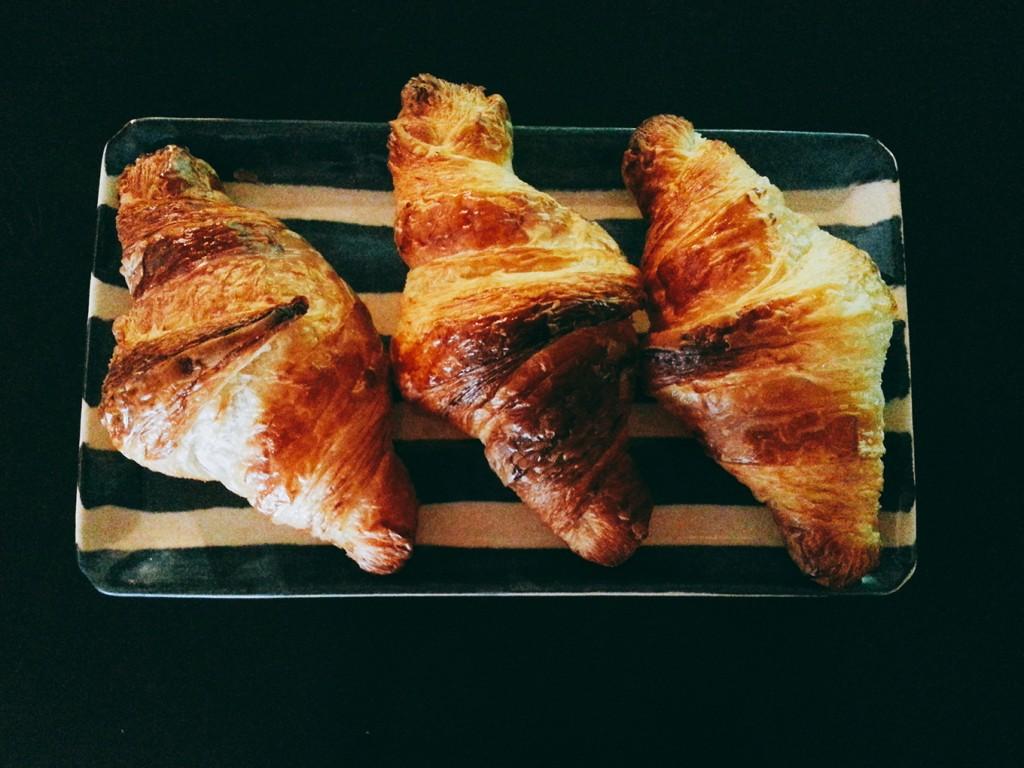 鎌倉の大人気パン、ブーランジュリーカルヴァの「プラチナクロワッサン10個入り」【お取り寄せ】