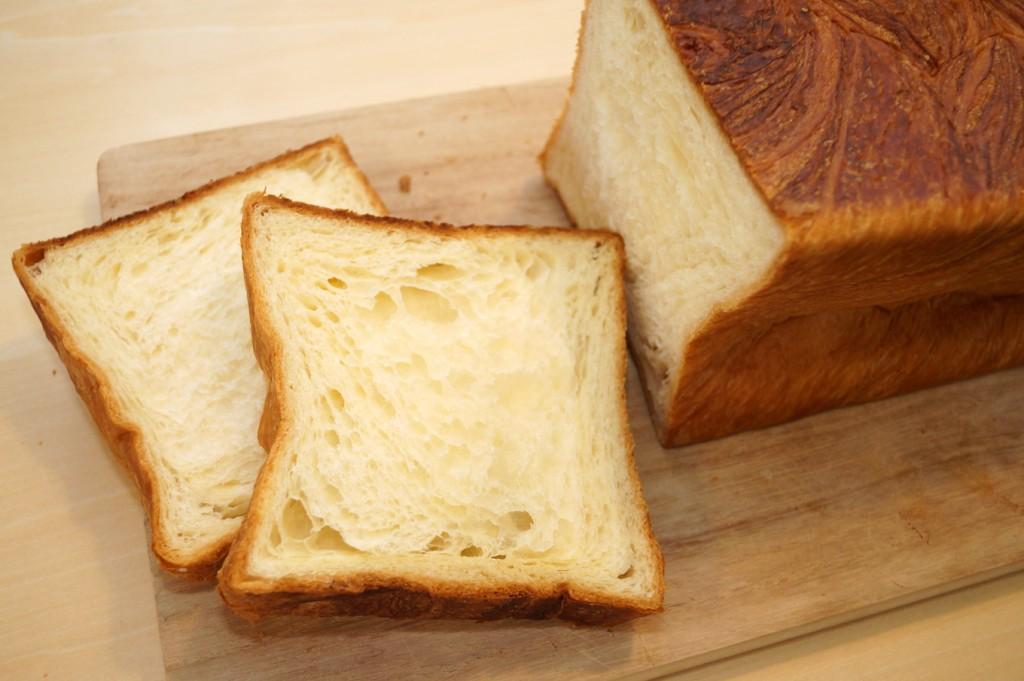 「京都祇園ボロニヤ」のデニッシュ食パン