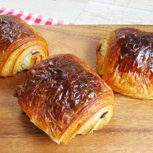 焼き立てパリパリがお家で楽しめる♪ブーランジュリーカルヴァ「プラチナ パン・オショコラ」【お取り寄せ】