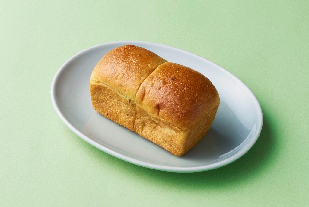ミニピスタチオ食パン ホワイトチョコ入り〜 緑と白のエクスタシー〜 価格:378円