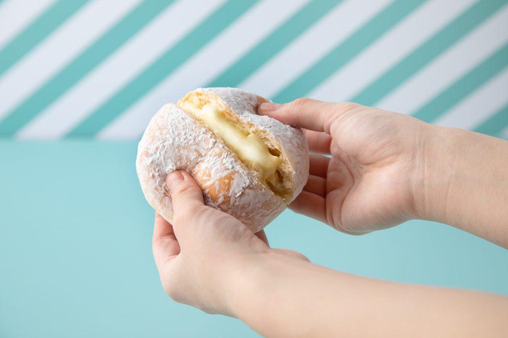 北海道産生クリームのクリームパン 380円